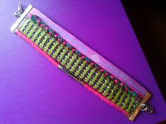 """bracelet en tissu tendance et coloré, à retrouver sur la page facebook de """" les creations d'oxomarie """" :)"""