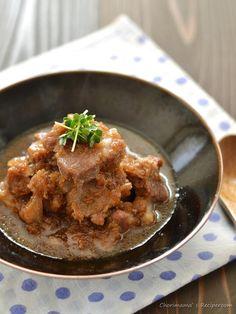 心もカラダもあたたまる。寒い季節のことこと煮込み料理レシピ | キナリノ 豚肩ロースの角切り煮込みフライパン一つで出来ちゃう角煮