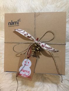 Merry Christmas, Christmas Ornaments, Brown Paper, Artisan, Wraps, Packing, Gift Wrapping, Events, Holiday Decor