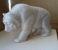 медведь из мрамора