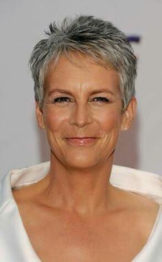 Jamie Lee Curtis - she is so beautiful and I love the pixie cut. This is what my hair looks like most of the time. Short Hair Over 60, Super Short Hair, Short Grey Hair, Short Hair Cuts For Women, Short Hair Styles, Short Spiky Hairstyles, Mom Hairstyles, Short Pixie Haircuts, Older Women Hairstyles