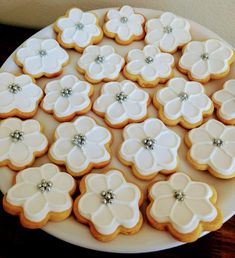 Iced Cookies, Sugar Cookies, Christmas Salad Recipes, Cookie Company, Cookie Decorating, Ice Cream, Table Decorations, Cooking, Tableware