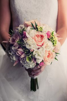 Pretty and understated bouquet Bridal Bouquet Pink, Bride Bouquets, Wedding Bride, Wedding Flowers, Wedding Day, Flowers For Everyone, Perfect Wedding, Dream Wedding, Romantic Weddings