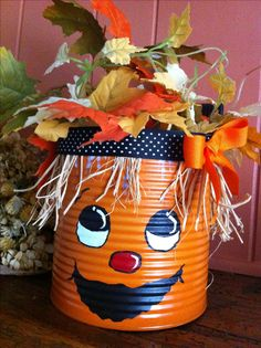 Coffee can jack 'o' lantern. Coffee Can Diy Projects, Coffee Can Crafts, Tin Can Crafts, Autumn Crafts, Thanksgiving Crafts, Holiday Crafts, Adornos Halloween, Manualidades Halloween, Diy Halloween Decorations
