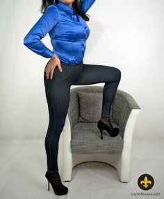 Hips in Jeggings   #satin #blouse #satinblouse #jeans #treggings #jeggings #leggings #tightjeans #tightpants #satinboobs #buttonblouse #satinbuttonblouse #lady #womeninjeggings #denimfetish  --> https://LadyMania.net