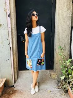 Light Blue Denim Dungaree in 2019 Frock Fashion, Indian Fashion Dresses, Indian Designer Outfits, Fashion Outfits, Kurta Designs, Kurti Designs Party Wear, Denim Kurti Designs, Stylish Dresses, Cute Dresses