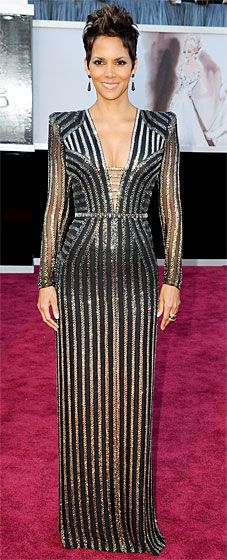 Halle Berry glittered in a custom Versace dress at the 2013 Oscars