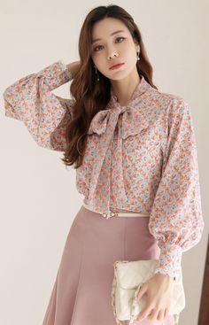 Korean Women`s Fashion Shopping Mall, Styleonme. Iranian Women Fashion, Muslim Fashion, Korean Fashion Dress, Fashion Outfits, Women's Fashion, Blouse Styles, Blouse Designs, Designs For Dresses, Tie Blouse