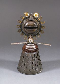 ROBOT SCULPTURE - Metal art sculpture Junk metal art - Sunny