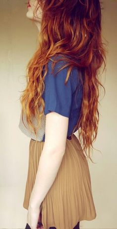 Love the ombre hair and the outfit.<3