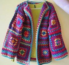 Transcendent Crochet a Solid Granny Square Ideas. Inconceivable Crochet a Solid Granny Square Ideas. Crochet Diy, Diy Crochet Granny Square, Point Granny Au Crochet, Motifs Granny Square, Crochet Bolero, Cardigan Au Crochet, Beau Crochet, Pull Crochet, Gilet Crochet