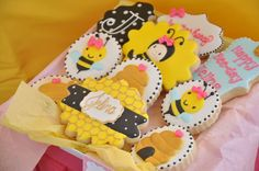 Girly Bee Party Birthday Party Ideas | Photo 7 of 24 | Catch My Party