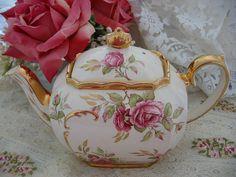 a beautiful teapot