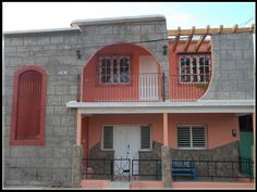 Casa Novoa   Owner:                  Geerling Narciso Novoa García City:                      Trinidad Address:                Valdespino # 65 B y entre Real Jovellanos Casilda, Trinidad, Cuba Breakfast:              Yes Lunch / Dinner:      Yes Number of rooms:  1