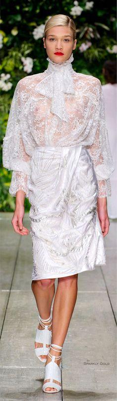 Spring 2016 Ready-to-Wear Laura Biagiotti Fashion News, Runway Fashion, Womens Fashion, Edgy Chic, Laura Biagiotti, White Fashion, Chic Outfits, White Lace, Beautiful Dresses