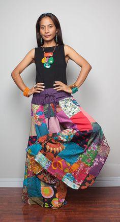I would love to wear these around the house Gypsy Style, Hippie Style, Bohemian Style, My Style, Bohemian Pants, Modest Fashion, Boho Fashion, Gypsy Pants, Estilo Hippie