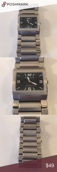 🆕KENNETH COLE REACTION NEW MENS WATCH 💯AUTH 🆕KENNETH COLE REACTION NEW MENS WATCH 💯AUTHENTIC . STUNNING AND STYLISH TOTALLY ON TREND. PURCHASED AND NEVER WORN. IT IS A LARGE WATCH . 8 INCH BAND LENGTH . THE BAND IS 1.5 INCHES WIDE. NEEDS NEW BATTERY Kenneth Cole Reaction Accessories Watches
