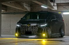 Toyota Alphard, Luxury Van, Minivan, Jdm Cars, Van Life, Car Accessories, Custom Cars, Cars And Motorcycles, Nissan