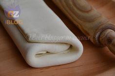 Finta pasta sfoglia, un impasto speciale e veloce per preparare in poco tempo un ottima sfoglia a strati. Con meno burro.