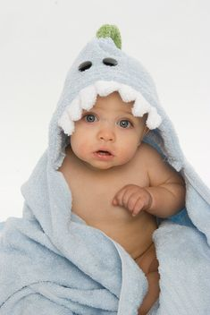 Blue Dinosaur Hooded Towel Rub A Dub Buddies via Etsy So Cute Baby, Cute Kids, Cute Babies, Lil Baby, Blue Pictures, Cute Baby Pictures, Organiser Une Baby Shower, Baby Dinosaurs, Baby Lotion