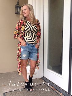 LulaRoe Gigi and LulaRoe Shirley are my new best friends! Pattern mixing is fun and adding a pair of destroyed boyfriend shorts makes the look casual and flirty!