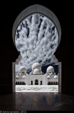 Sheikh Zayed Grand Mosque ,Abu Dhabi, United Arab Emirates