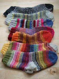 Knitting Socks, Knit Socks, Crochet Woman, Mittens, Charity, Wool Hats, Gloves, Blog, Pattern