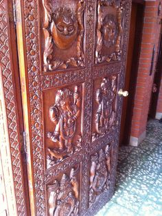 Front door & its carvings. I have dreamt these patterns since we left Nepal. :)