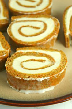 Carrot Cake Roll with Cream Cheese Frosting Filling Carrot Cake Roll Recipe, Cake Roll Recipes, Best Carrot Cake, Cheesecake Recipes, Dessert Recipes, Carrot Cheesecake, Carrot Cakes, Cream Cheese Filling, Cream Cheese Frosting