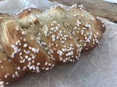 Backen mit Christina … | Topfenstriezel Cake Recipes, Bread, Food And Drink, Cakes, Austria, Sugar, Sweet Bread, Challah, Dump Cake Recipes