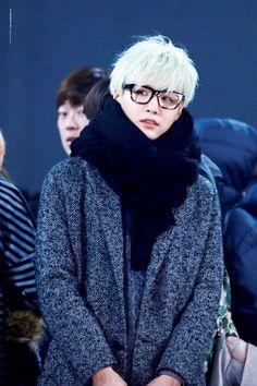 1faf8193dba saranggopolmalgo · Han HeegiYoongi wearing glasses
