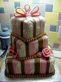 Beautifully unusual cake (=)