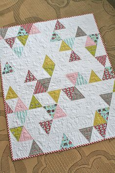 Triangle baby quilt by freshlypieced, via Flickr