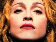 Madonna continua desnudandose en los conciertos