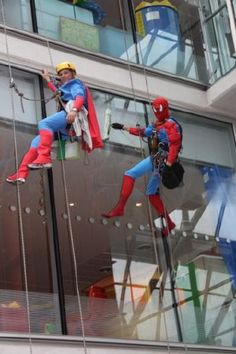OK - its from but its still a great thing to do: Spider-man and Superman abseil into the Evelina Hospital to clean windows and cheer up the kids inside. Cheer Someone Up, Cheer Up, Window Cleaner, Childrens Hospital, Superman, Batman, Make Me Smile, Cool Photos, Washers