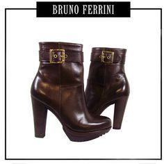 Código: FQ004853 Colores: marrón, negro Tallas: 35 - 39 Precio de Etiqueta: S/. 619.00 En Promoción de 50% dscto S/. 309.5
