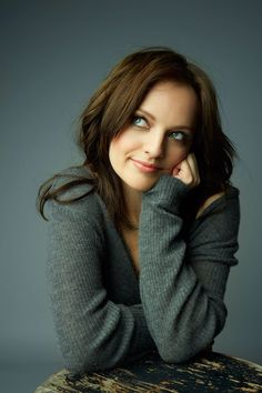Elisabeth Moss - Google Search Elizabeth Moss, Hiit Workouts For Beginners, At Home Workouts, Mad Men, Best Inner Thigh Workout, Get Skinny Legs, Fitness Motivation Pictures, Thigh Exercises, Lose Belly Fat