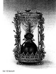 17th Century South German Silver filigree Hourglass. H. 9.5cms, Herzog Anton Museum, Brunswick, Lower Saxony, Germany