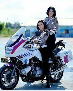 Female Cop, Female Soldier, Police Uniforms, Girls Uniforms, Korean Beauty Girls, Asian Beauty, Lady Biker, Biker Girl, Asian Models Female