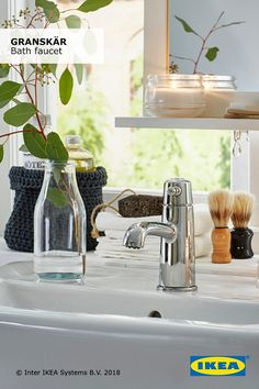 Water saving faucets help save energy at home. Live more sustainably with the IKEA GRANSKÄR bath faucet that lets you enjoy great water pressure and uses up to 50% less water.