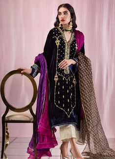 Traditional Navy Nagina kurta with fancy embellished neck line and work details on border. Latest Pakistani Dresses, Indian Dresses, Glam Dresses, Casual Dresses, Bridal Dresses, Embroidery Suits, Hand Embroidery, Embroidery Designs, Velvet Dress Designs