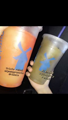 dutch bros Left: Blended trixie rebel w/ pomegranate drizzle Right: Blended aquaberry rebel Dutch Bros Menu, Dutch Bros Secret Menu, Dutch Bros Drinks, Healthy Starbucks, Starbucks Drinks, Starburst Drink, Low Carb Drinks, Healthy Drinks, Soda Brands