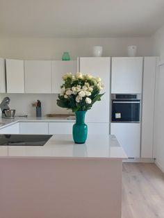 Mobilegno kitchen, Venini Murano glass pot