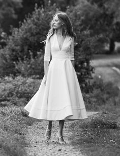 Simple Midi Satin Wedding Dress with V-neckline Informal Wedding Dresses, Civil Wedding Dresses, White Wedding Dresses, Wedding Dress Midi, Mid Length Wedding Dresses, Courthouse Wedding Dress, Wedding Hijab, Casual Dresses With Sleeves, Dress Plus Size