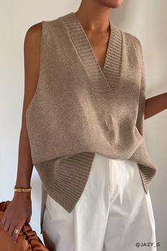 Vest Outfits, Fall Outfits, Casual Outfits, Looks Chic, Looks Style, Look Fashion, Fashion Outfits, Fashion Trends, Knit Vest