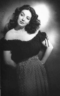Maria Felix. Love her style!