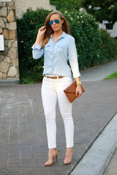 Super How To Wear Denim Top Chambray Shirts White Pants Ideas Casual Work Outfits, Work Attire, Jean Outfits, Fashion Blogger Style, Look Fashion, Fashion Outfits, Womens Fashion, Fashion 2015, Petite Fashion