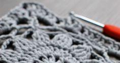 Raad met draad: Finnish granny square pattern in English Motifs Granny Square, Granny Square Crochet Pattern, Crochet Diagram, Crochet Squares, Crochet Gloves Pattern, Crochet Motif Patterns, Knitting Yarn Diy, Crochet Instructions, English