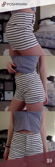 Striped high waisted comfy shorts ▪️bought off another posher but never wear ▪️fits 24-25 size  ▪️comfy thick cotton feel  💲20% off Any 2+ items!! ✅ Make offers ❌ no offers under 1/2 listing please  ❌ no trades except unif, AA, yru, J.C, LF ❓ Ask questions Lush Shorts