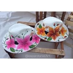 (notitle) – JAH – Join in the world of pin Painted Hats, Painted Clothes, Hand Painted, Tole Painting, Fabric Painting, Silk Ribbon Embroidery, Custom Hats, Cool Hats, Christmas Art